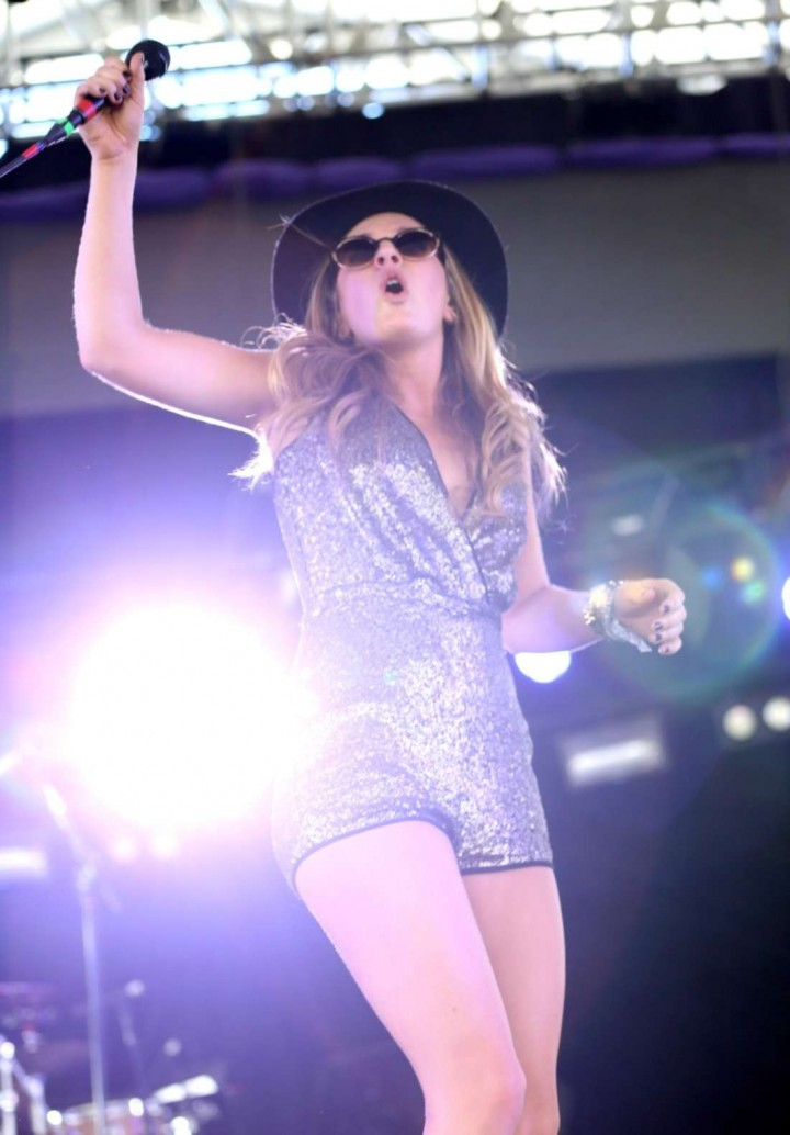 ZZ Ward: 2014 Coachella -01