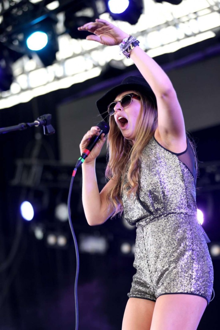 ZZ Ward: 2014 Coachella -05