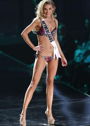 2015 Miss Universe Bikini Competition-18