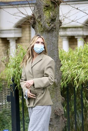 Abbey Clancy - Filming a television advert in London