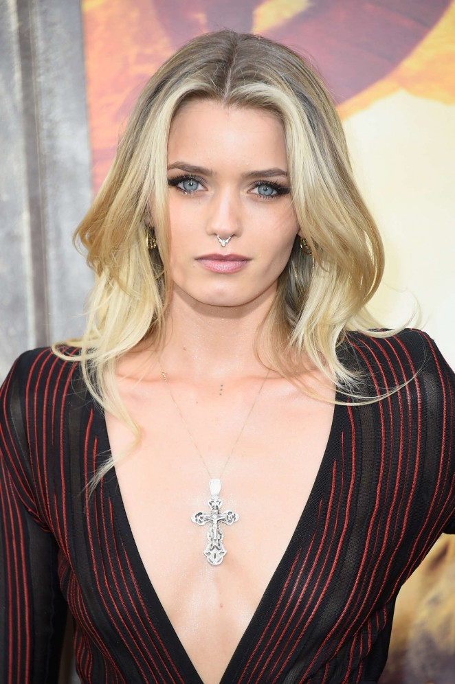 Abbey Lee – 'Mad Max: Fury Road' Premiere in Hollywood