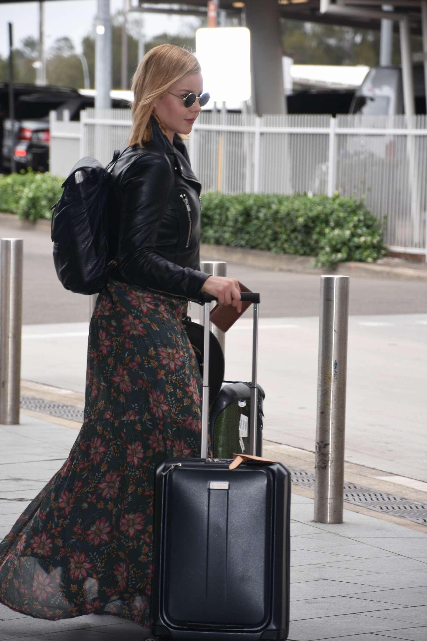 Abbie Cornish 2016 : Abbie Cornish in Long Dress arrives in Sydney -02