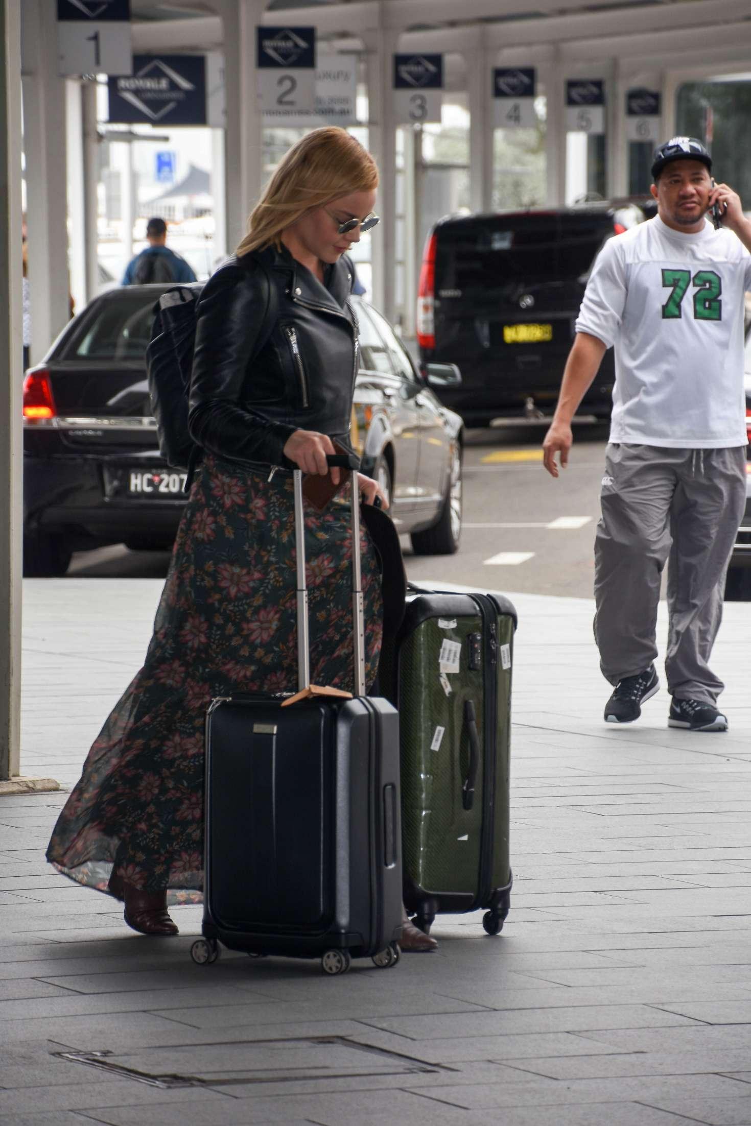 Abbie Cornish 2016 : Abbie Cornish in Long Dress arrives in Sydney -06