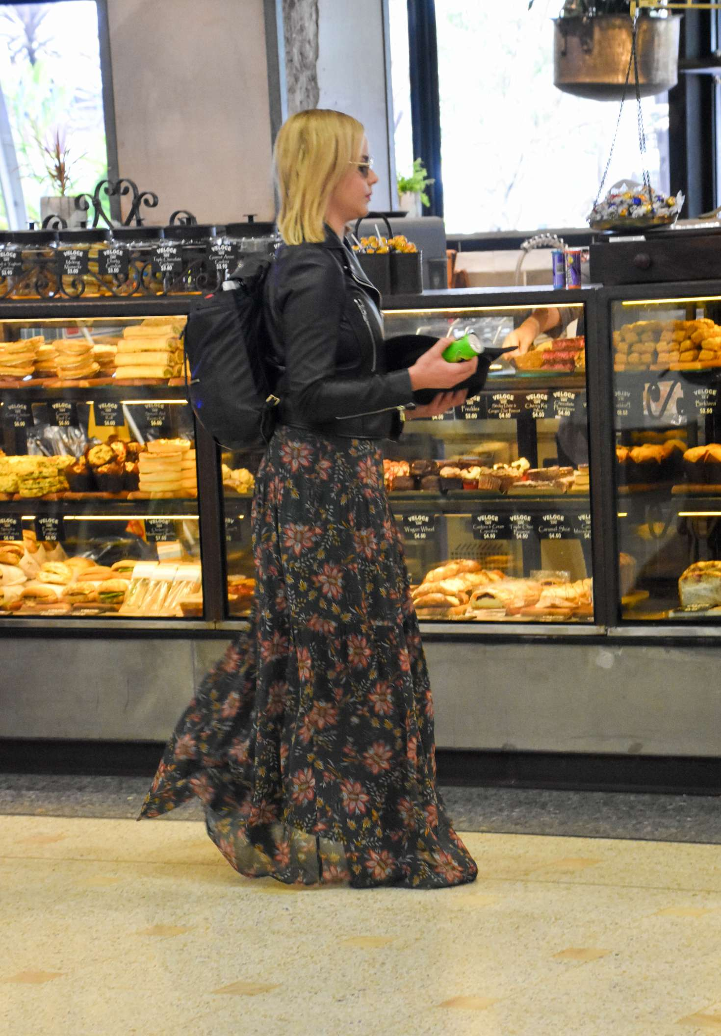 Abbie Cornish 2016 : Abbie Cornish in Long Dress arrives in Sydney -08