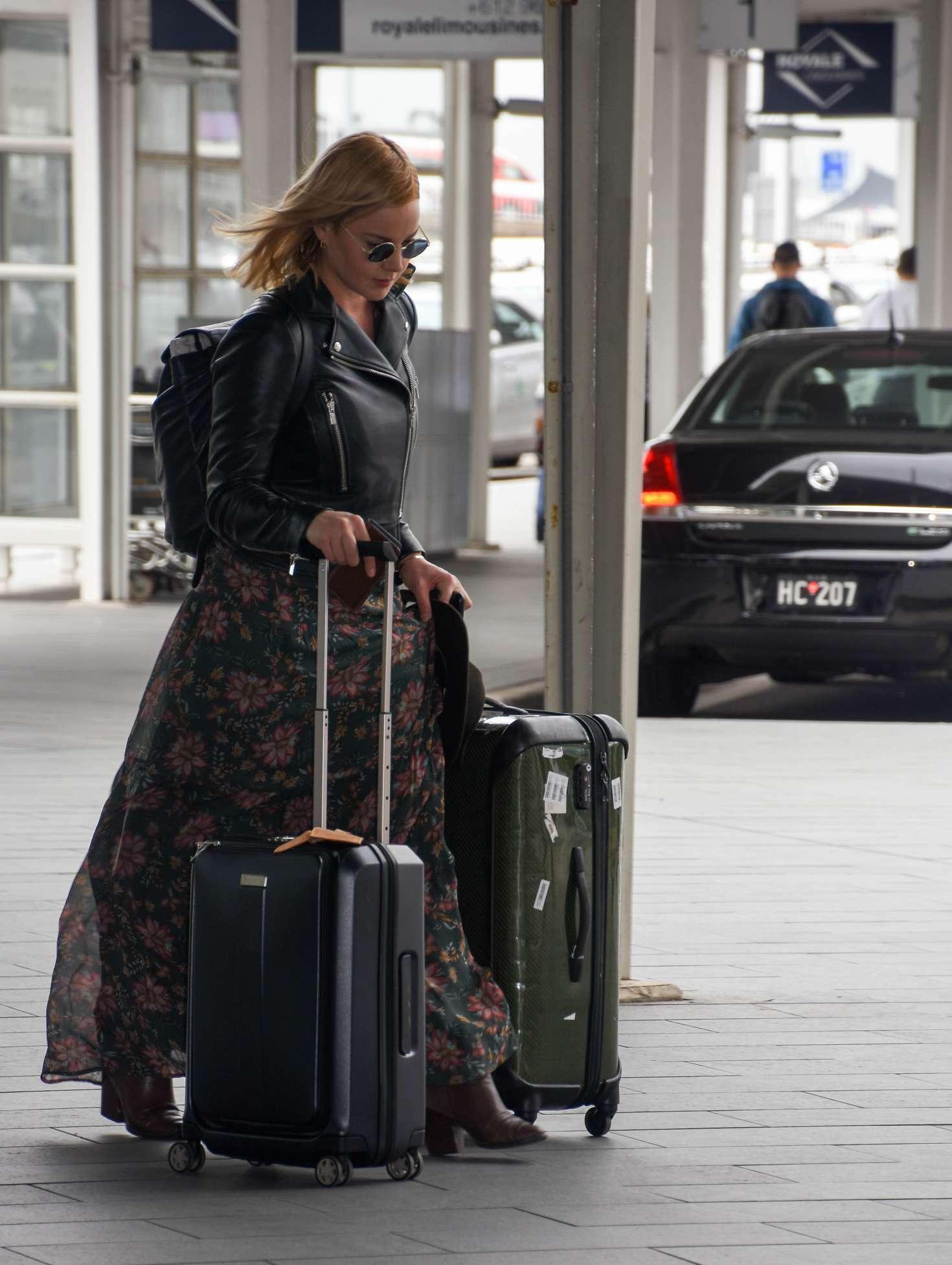 Abbie Cornish 2016 : Abbie Cornish in Long Dress arrives in Sydney -09