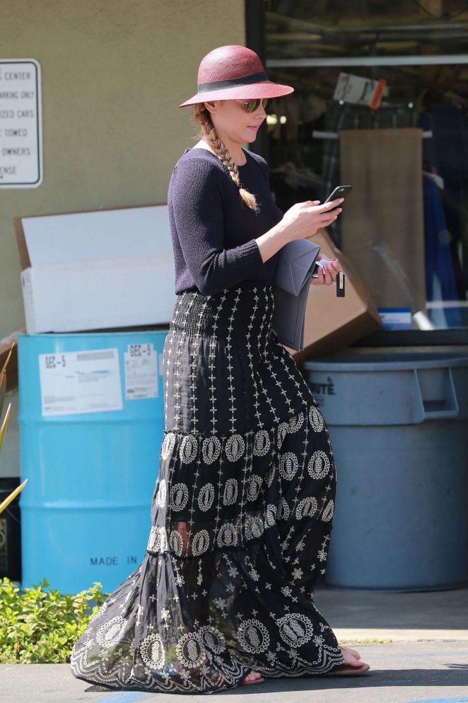 Abbie Cornish in Long Skirt -12
