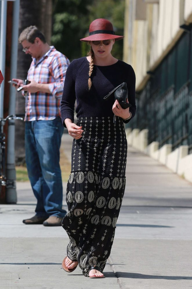 Abbie Cornish in Long Skirt -14