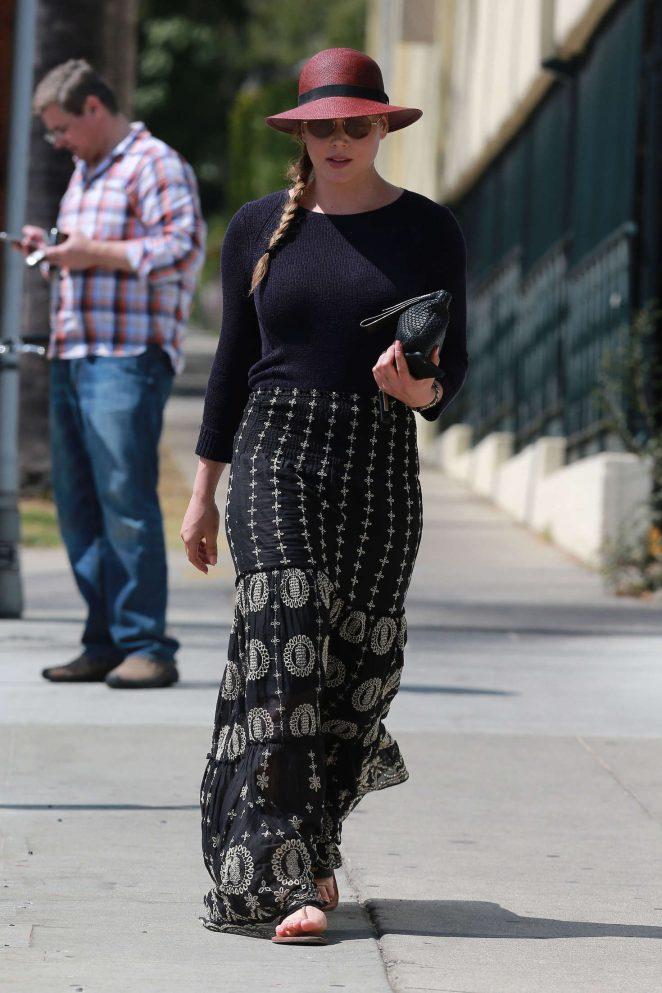 Abbie Cornish in Long Skirt -18