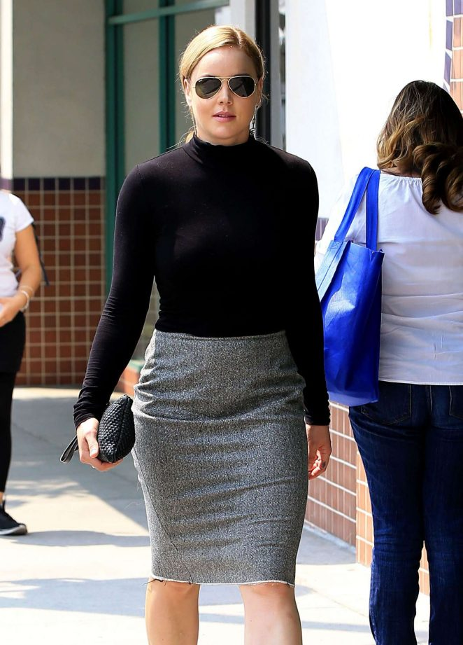 Abbie Cornish out shopping in Beverly Hills -02