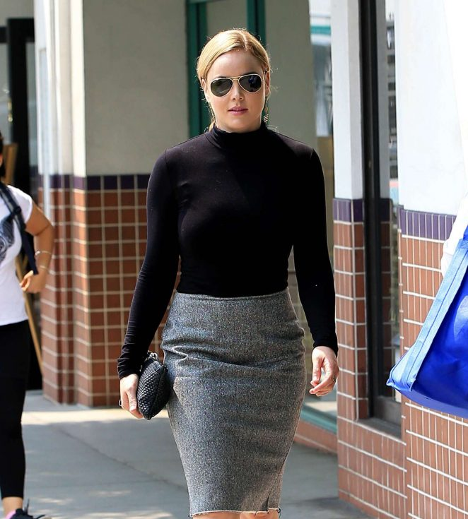 Abbie Cornish out shopping in Beverly Hills -07