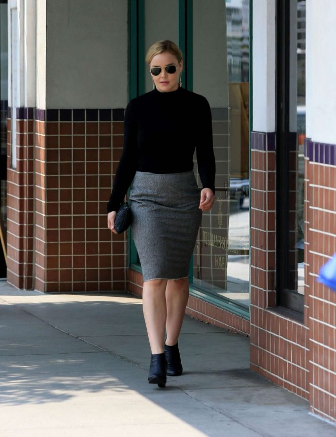 Abbie Cornish out shopping in Beverly Hills -11