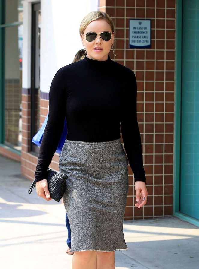 Abbie Cornish out shopping in Beverly Hills -17