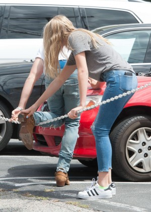 Abby Champion in Jeans Shopping in Los Angeles
