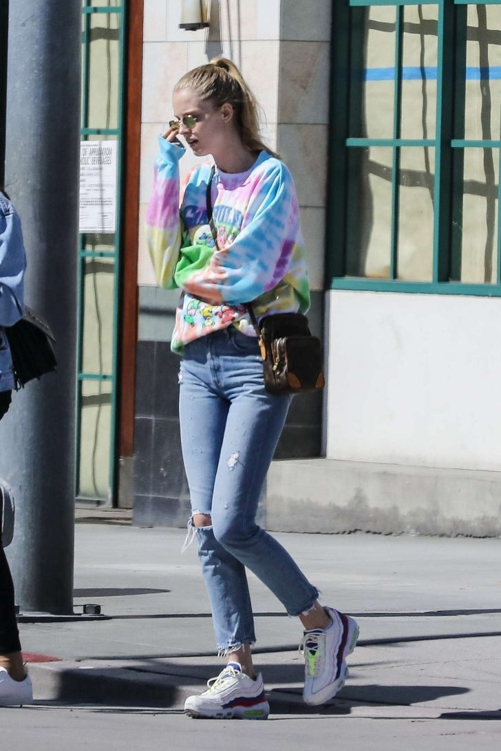 Abby Champion - Shopping in Santa Monica