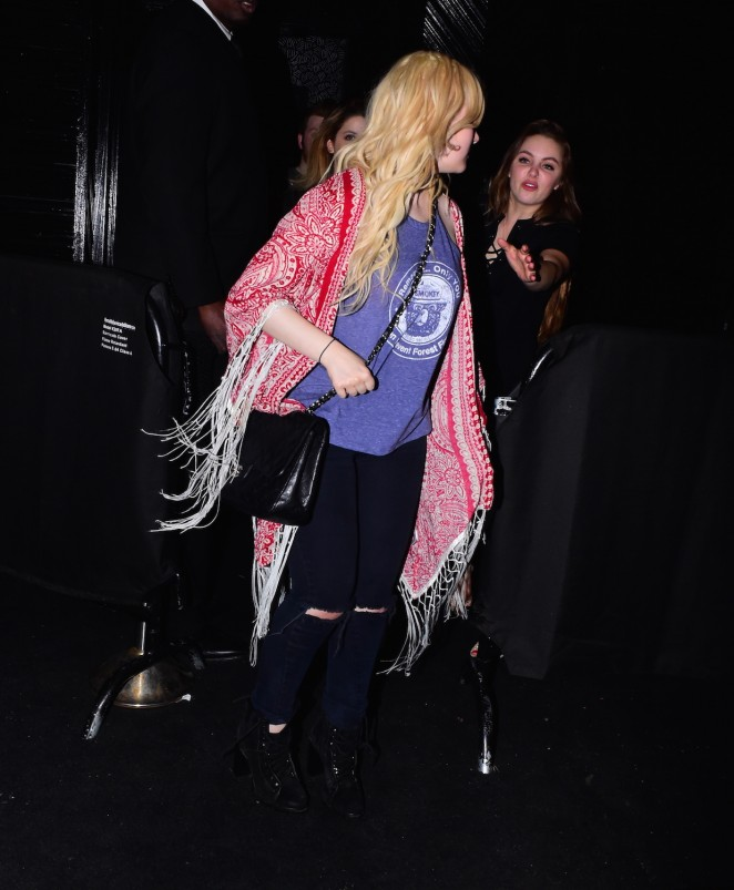 Abigail Breslin: Leaving Up and Down Nightclub -04
