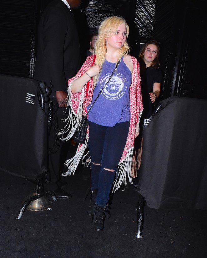 Abigail Breslin: Leaving Up and Down Nightclub -09