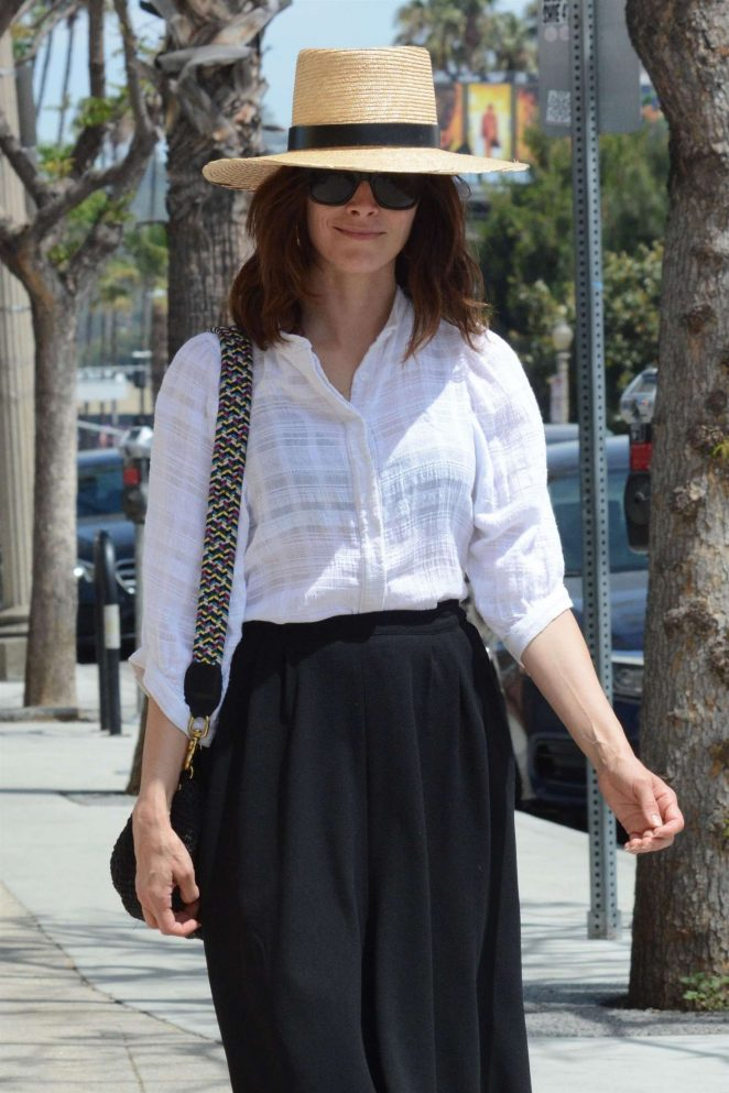 Abigail Spencer - Shopping in Los Angeles