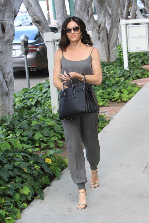 Abigail Spencer - Shopping on Melrose Place in Hollywood