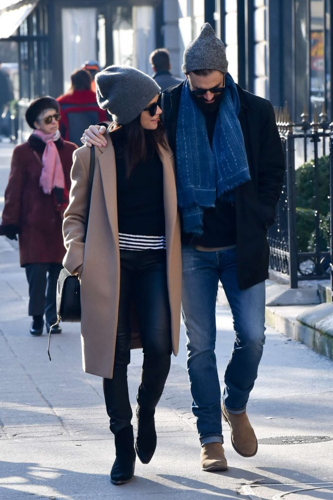 Abigail Spencer with her new boyfriend - Out in Paris