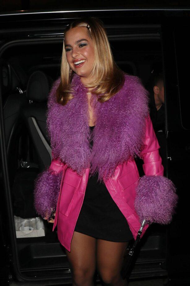 Addison Rae - Arrives for dinner at Scott's Mayfair Restaurant in London