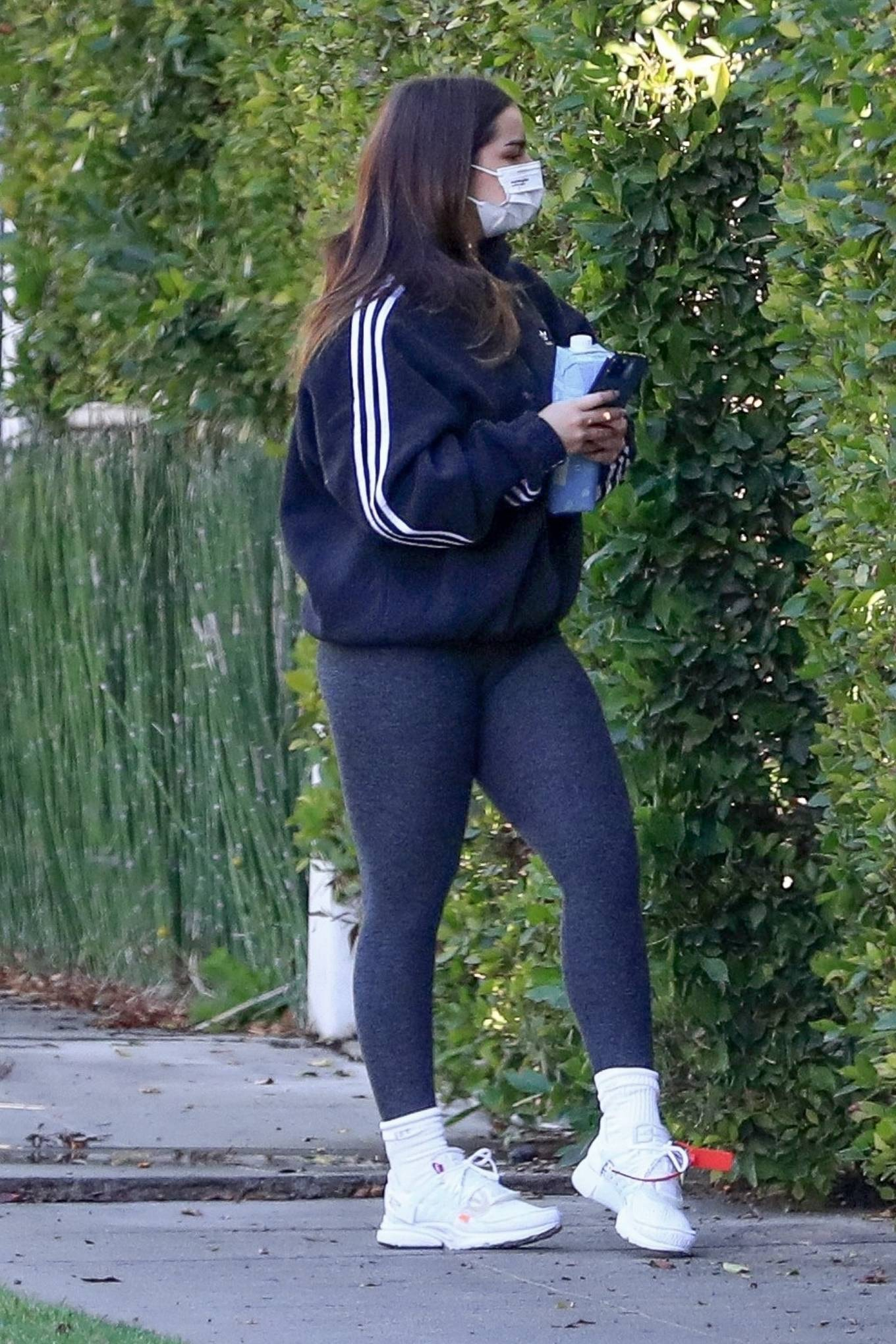 Addison Rae - arrives for workout in Los Angeles