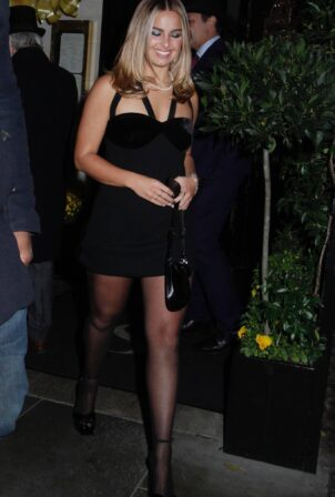 Addison Rae - Seen at Scott's for the launch of Pandora's Me jewelry in London
