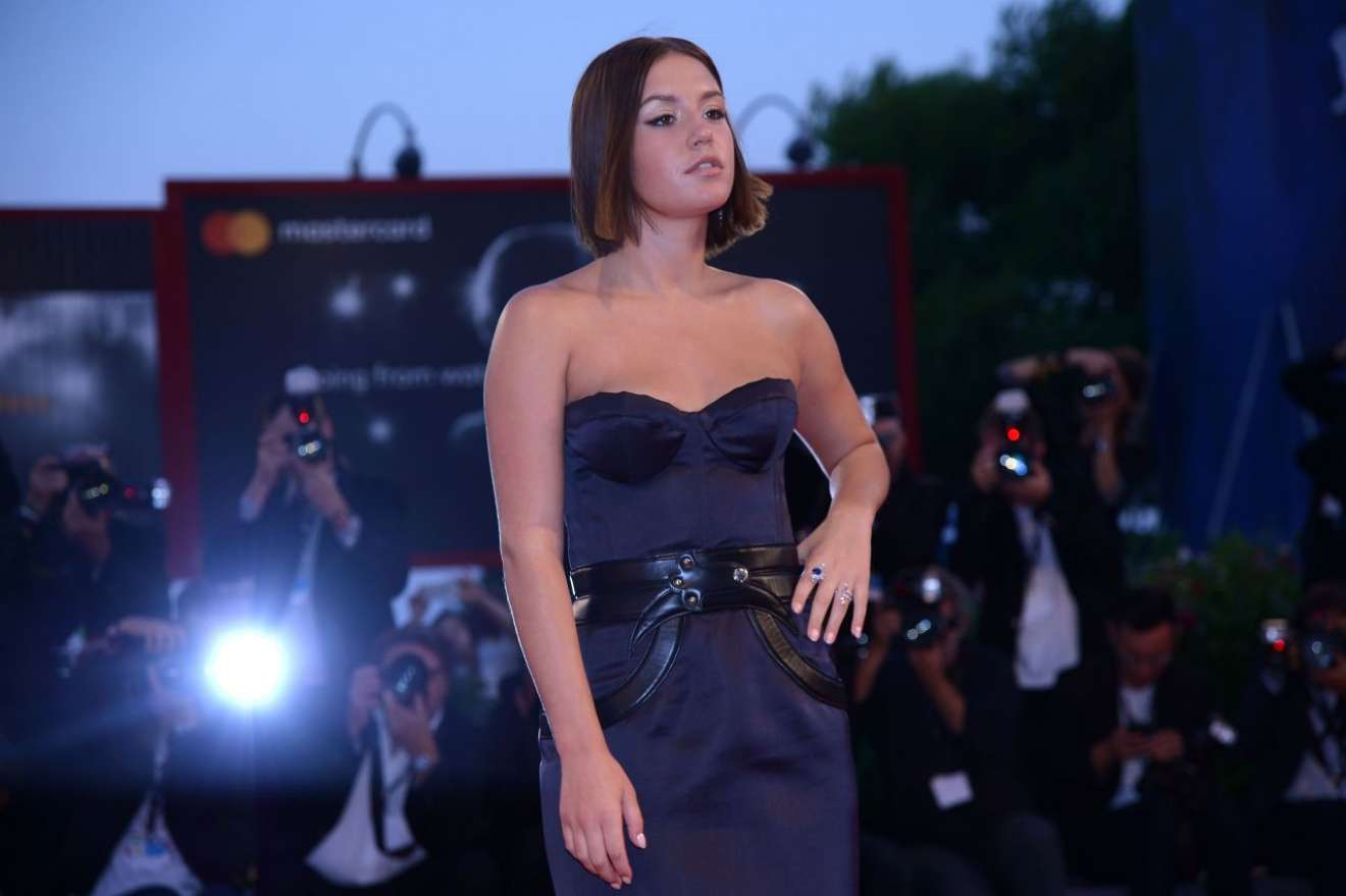 Adele exarchopoulos racer and the jailbird 9