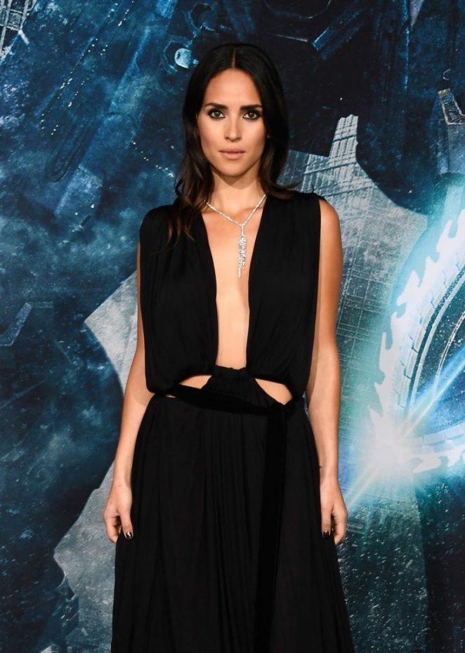 Adria Arjona - 'Pacific Rim Uprising' Premiere in Hollywood