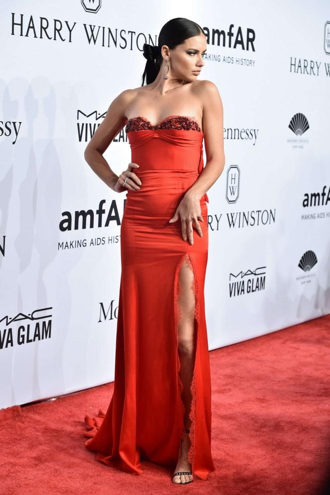 Adriana Lima: 2016 amfAR New York Gala -04