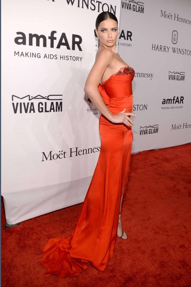 Adriana Lima: 2016 amfAR New York Gala -17