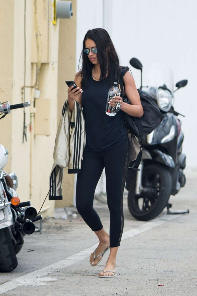 Adriana Lima - Arrives at a gym in Miami