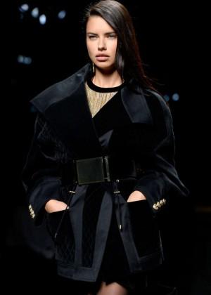 Adriana Lima - Balmain Fashion Show 2015 in Paris