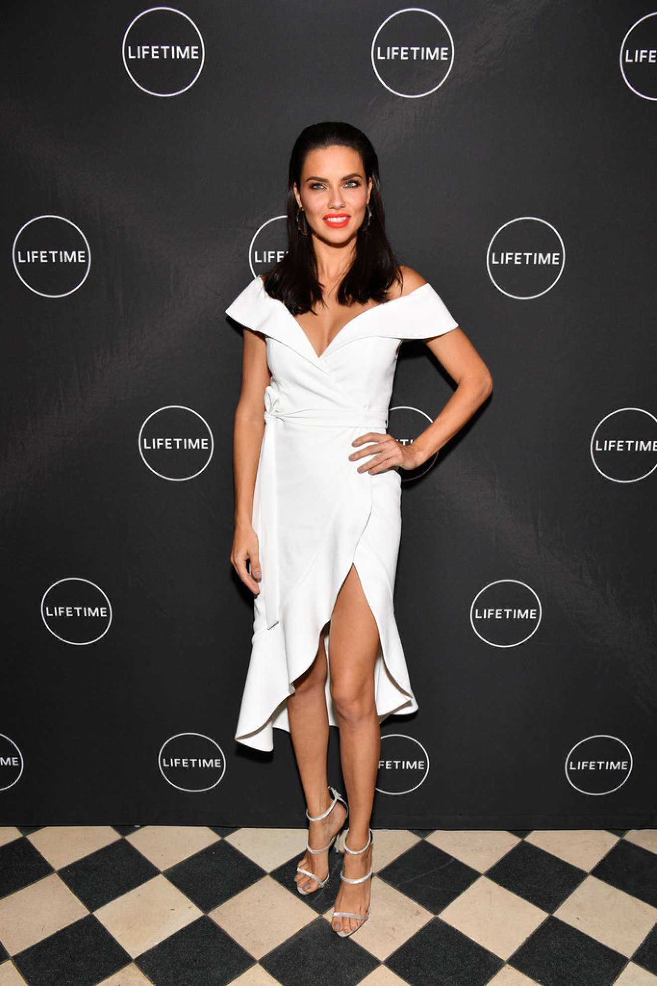 Adriana Lima – Conversation and Premiere of American Beauty Star in NYC   Adriana-Lima:-Conversation-and-Premiere-of-American-Beauty-Star-in-NYC-06
