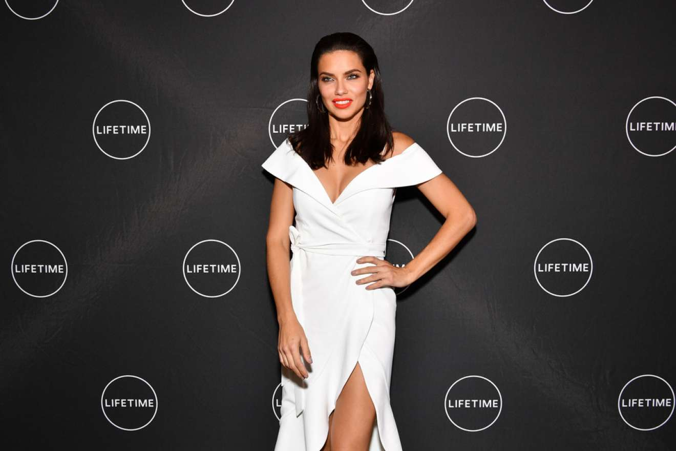 Adriana Lima – Conversation and Premiere of American Beauty Star in NYC   Adriana-Lima:-Conversation-and-Premiere-of-American-Beauty-Star-in-NYC-10
