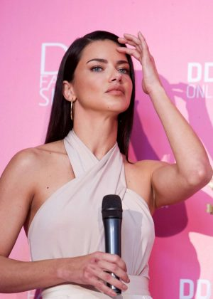 Adriana Lima - Dossi Dossi Fashion Show Press Room in Antalya