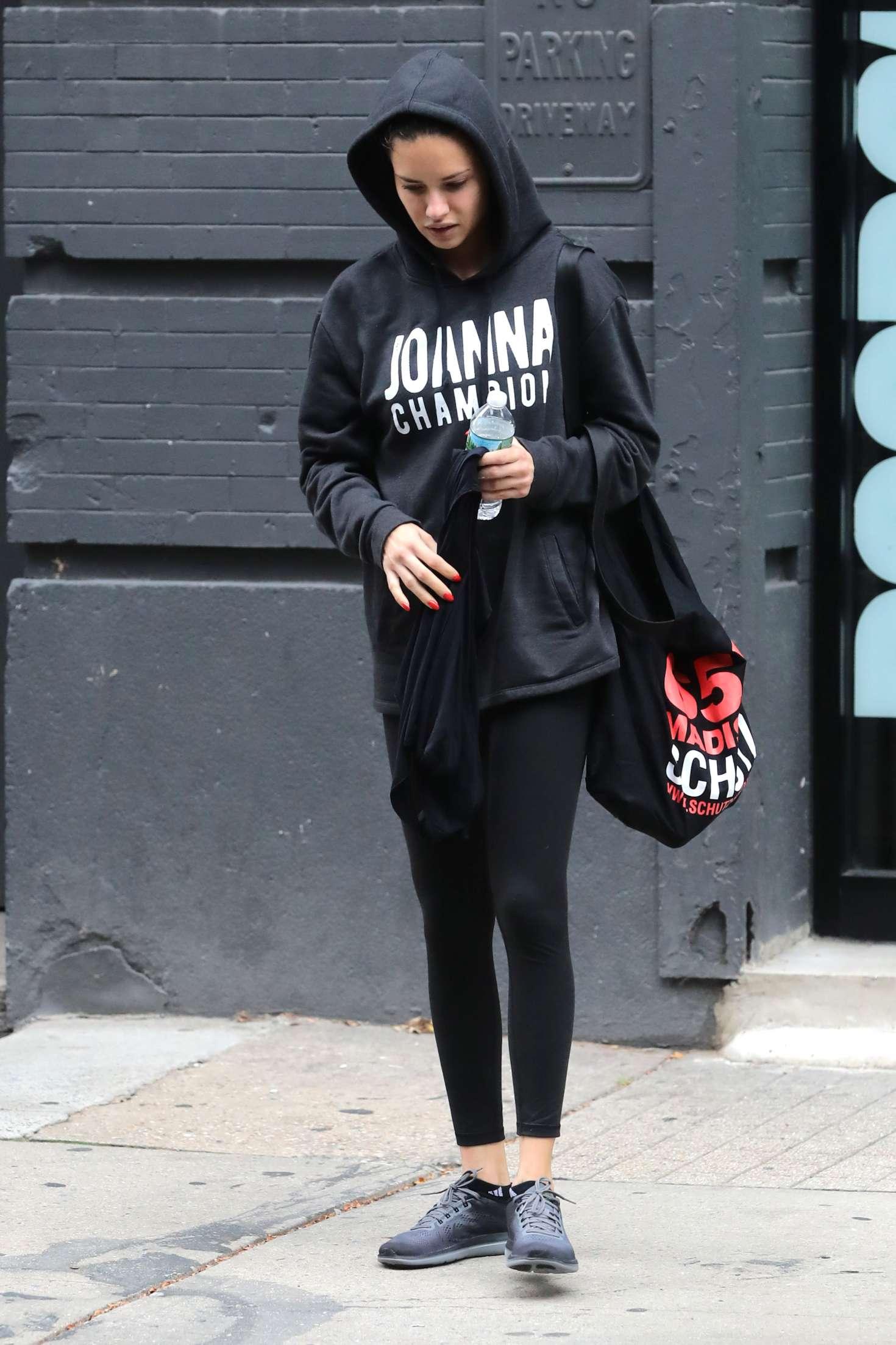 Adriana Lima 2017 : Adriana Lima: Leaving the gym in New York -05