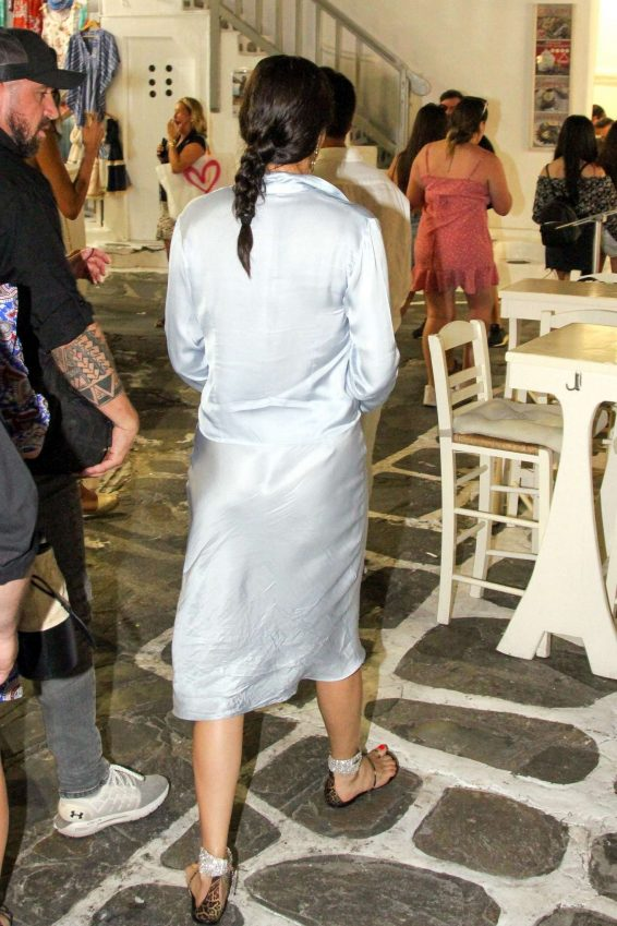 Adriana Lima – Out in Mykonos-12