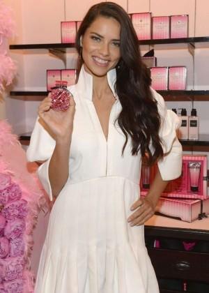 Adriana Lima - Pormotes VS Bombshell Fragrance in Miami