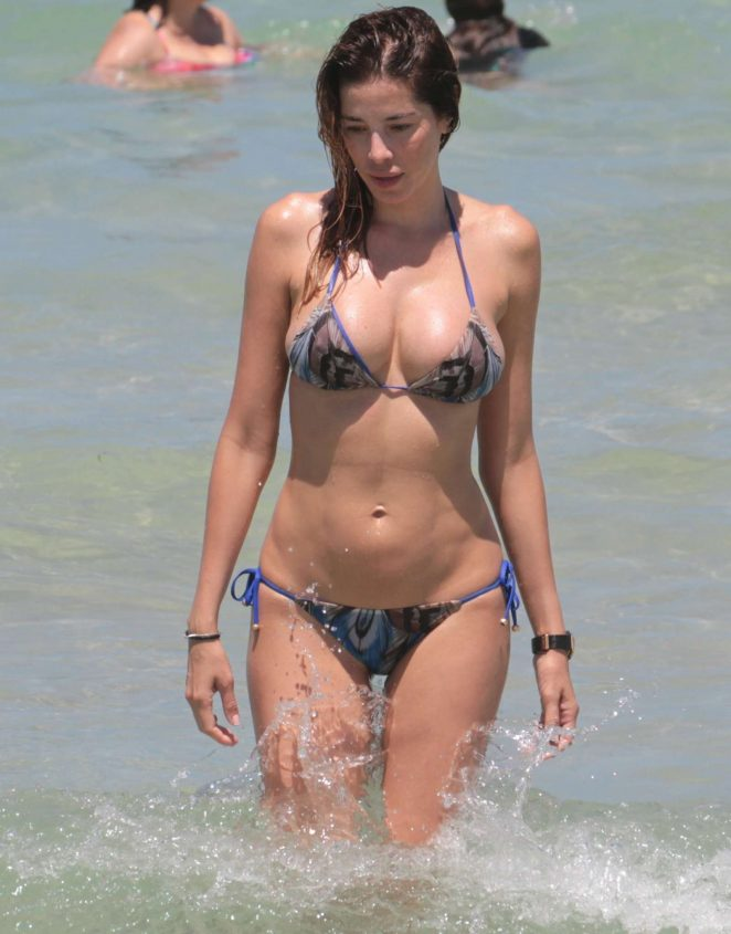 Aida Yespica in Bikini on Miami Beach
