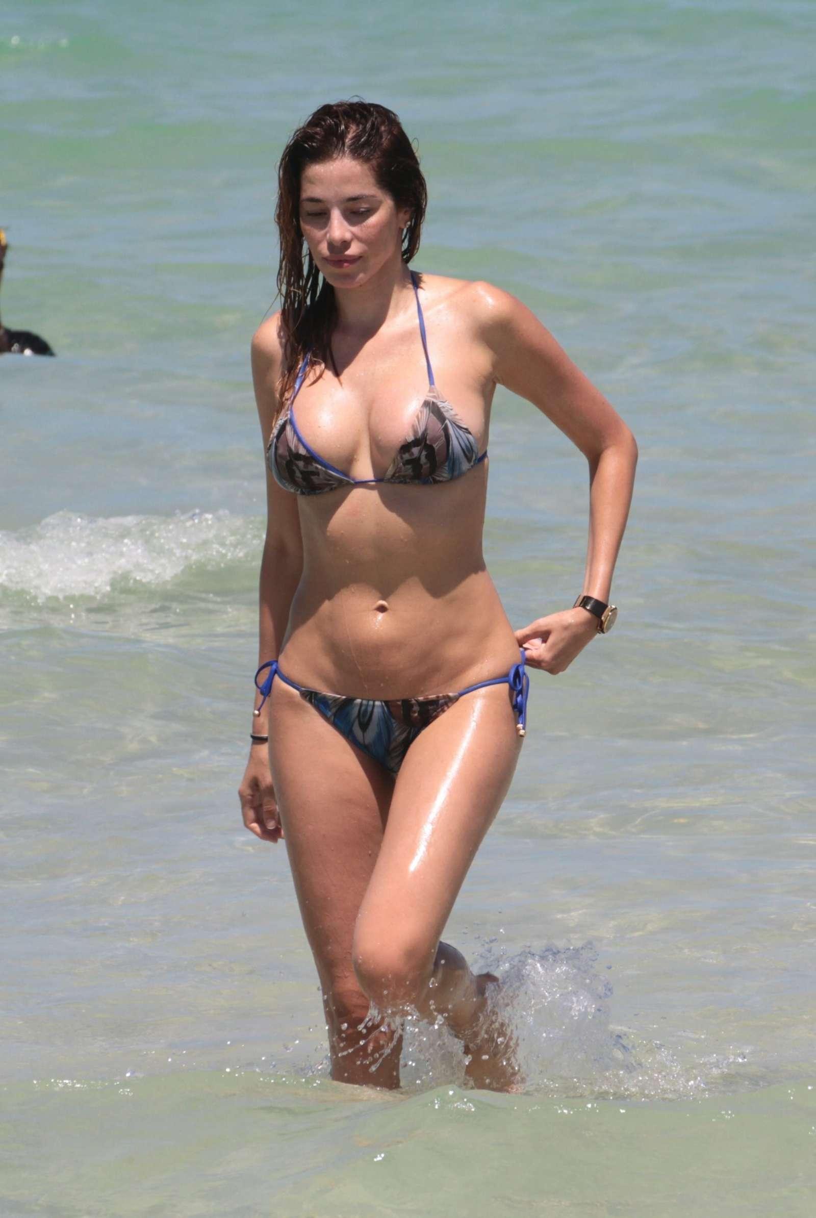Aida Yespica in Bikini 2017 -29