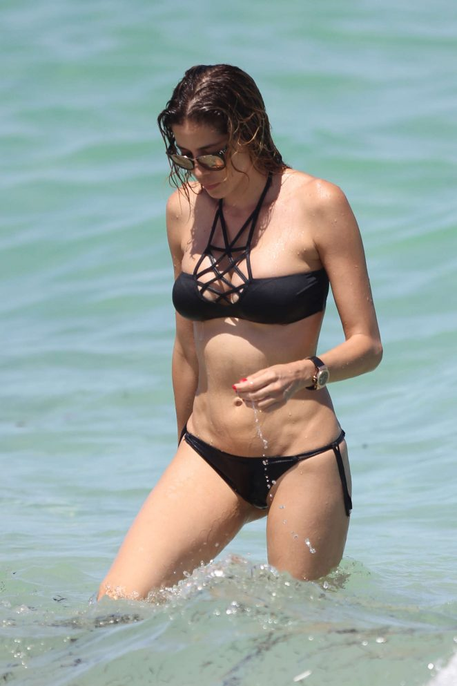 Aida Yespica in Black Bikini 2016 -17