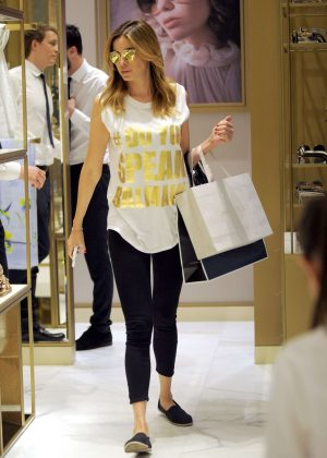 Aida Yespica out shopping in Milan