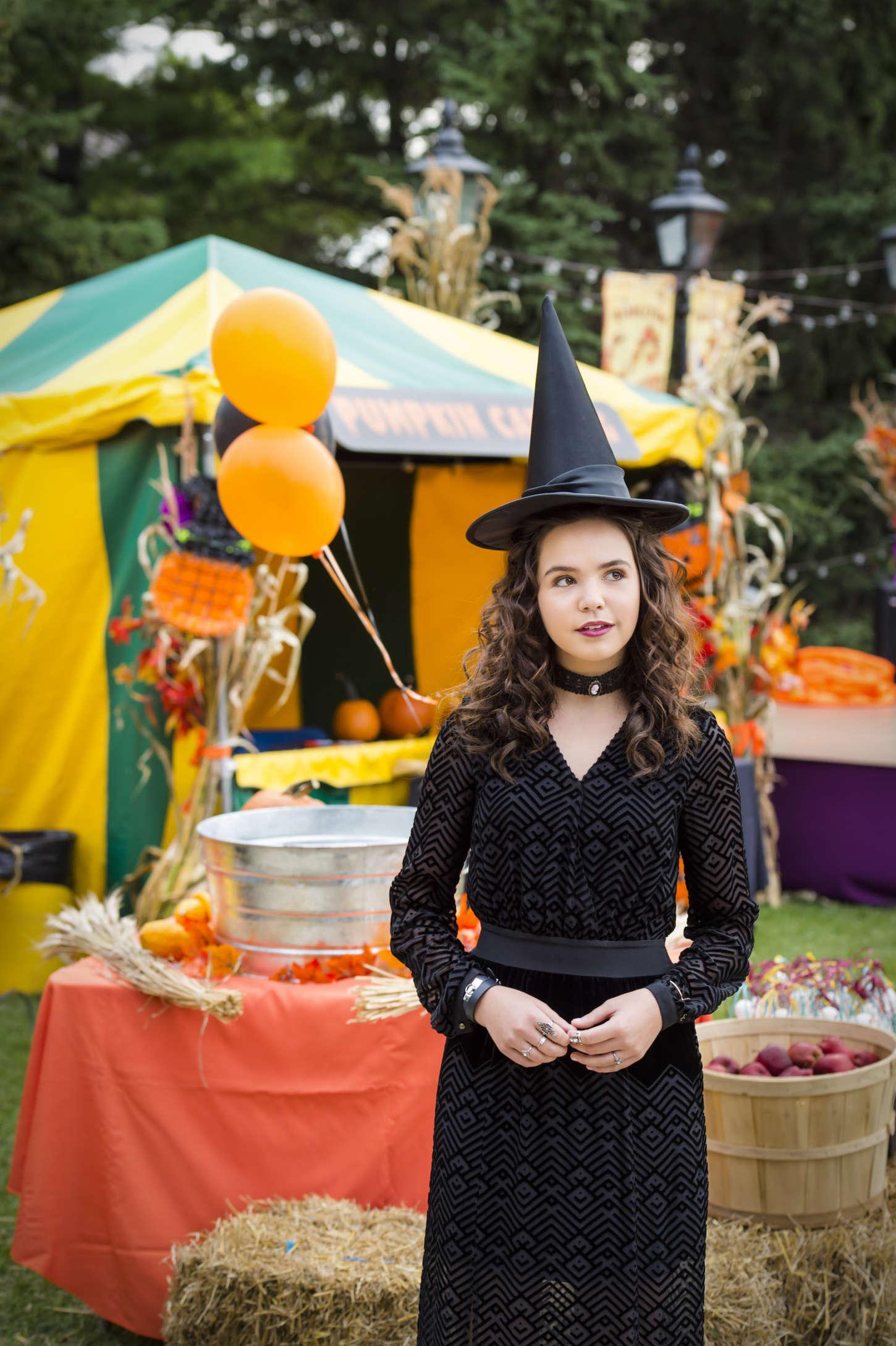 Bailee Madison 2015 : ailee Madison: Good Witch Season 2 Halloween Special Promos Stills -03