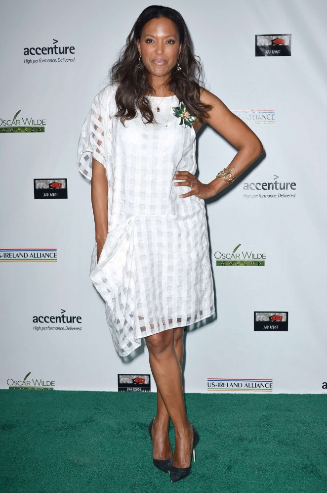 Aisha Tyler - 2016 Oscar Wilde Awards in Santa Monica