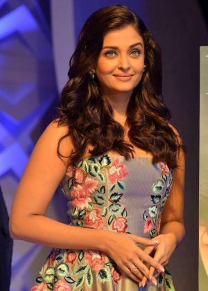 Aishwarya Rai - 7th Outlook Business Outstanding Women Awards in Mumbai