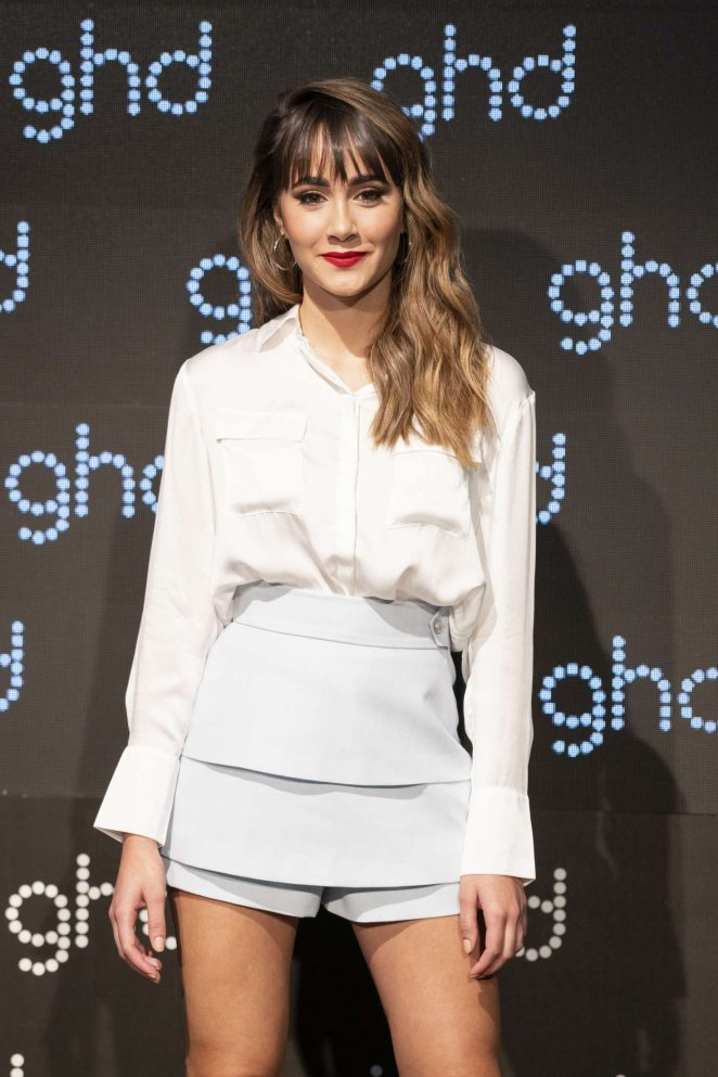 Aitana - 'Larga Vida a las Reinas' new GHD Christmas Campaign Presentation in Madrid