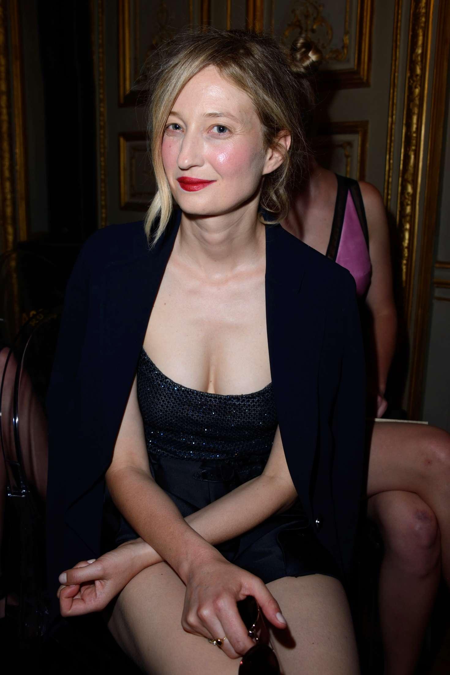 Alba Rohrwacher - Giorgio Armani Prive Show in Paris