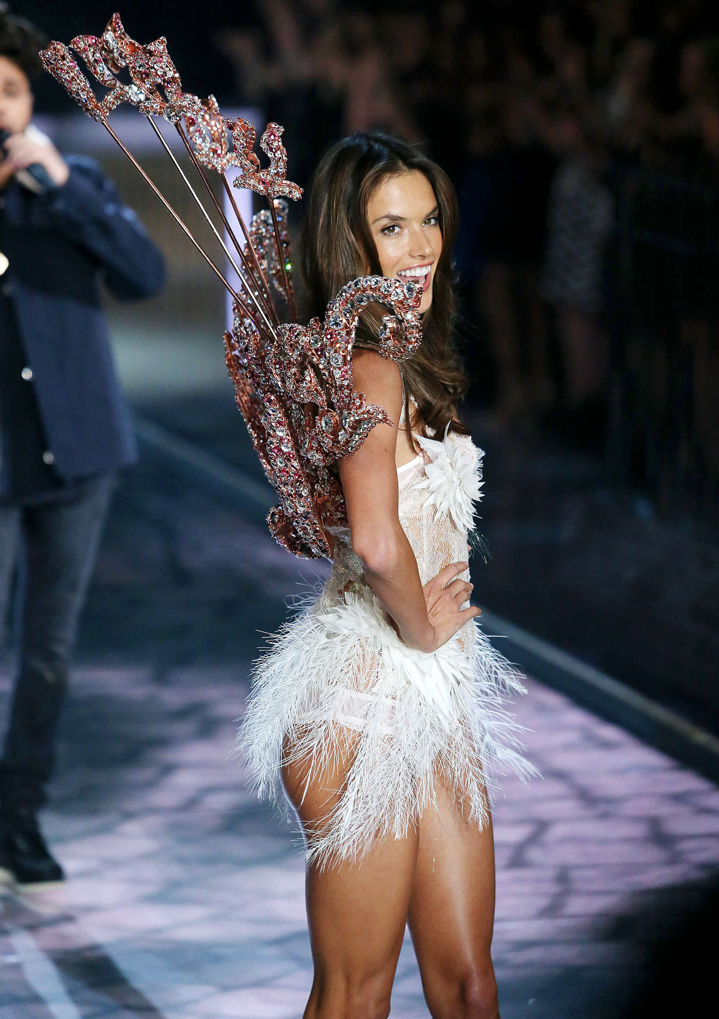Alessandra Ambrosio 2015 Victorias Secret Fashion Show