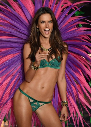 Alessandra Ambrosio - 2015 Victoria's Secret Fashion Show Runway in NYC