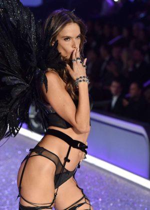 Alessandra Ambrosio - 2016 Victoria's Secret Fashion Show Runway in Paris